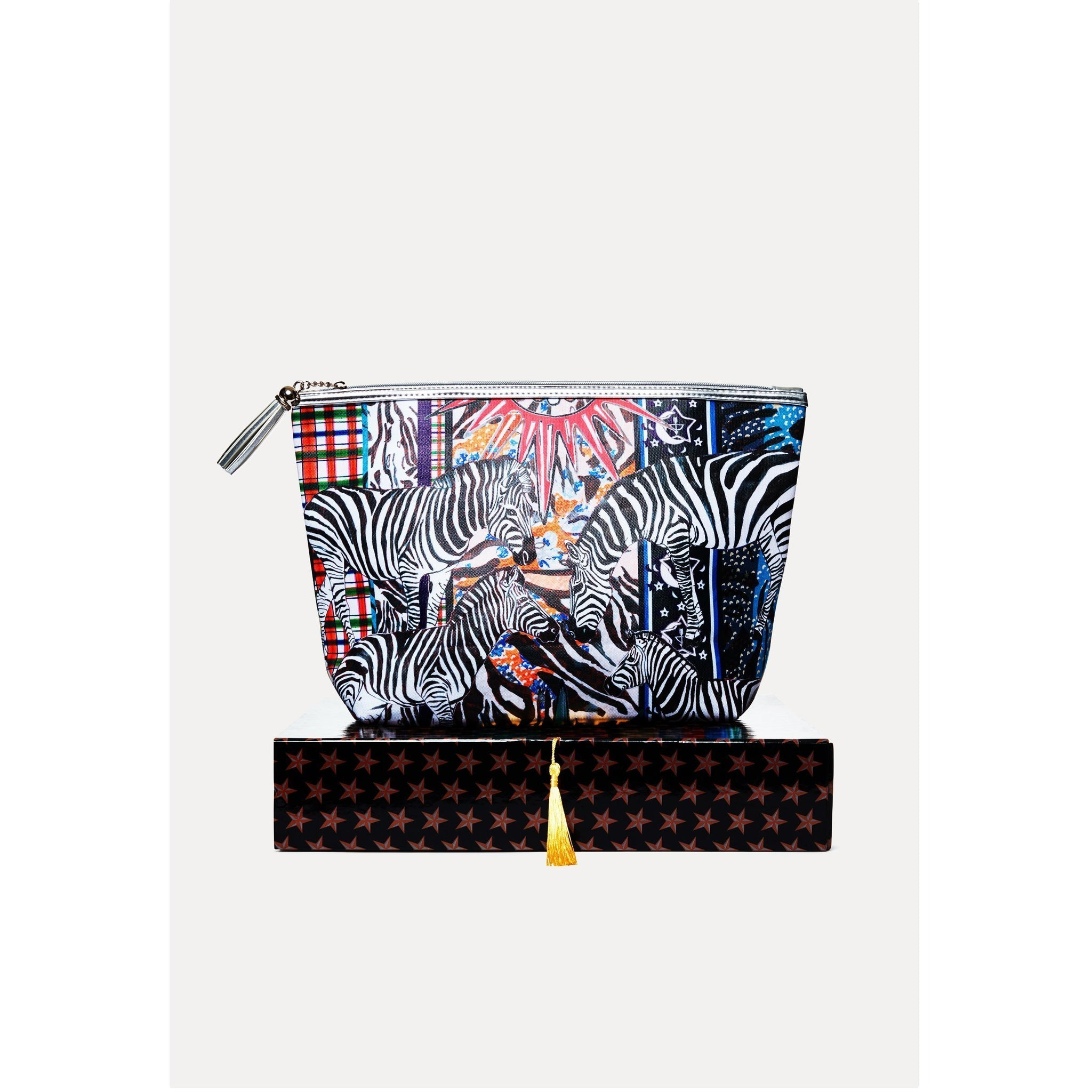 ACID%20ZEBRA%20XL%20WASHBAG%20ON%20BOX.jpg