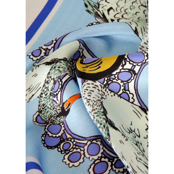 S%20FOR%20SWAN%20ALPHABET%20SCARF%20CLOSE%20UP.jpg