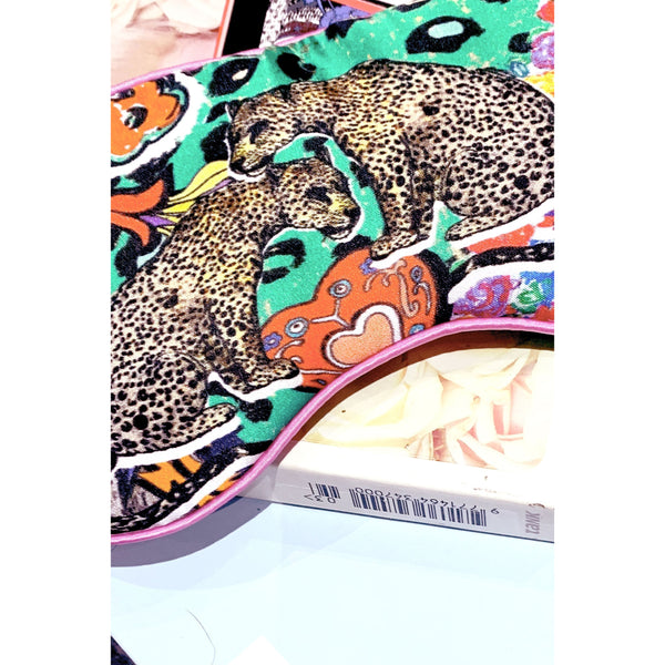 felt-tip-leopard-mask-on-book.jpg