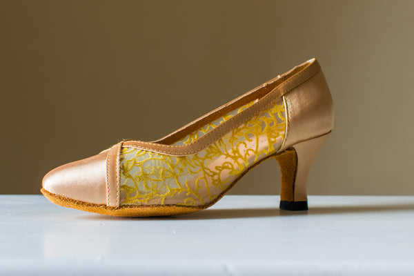Jill - Gold Satin and Lace Ladies Ballroom Court Shoe - Kit'n'Heels