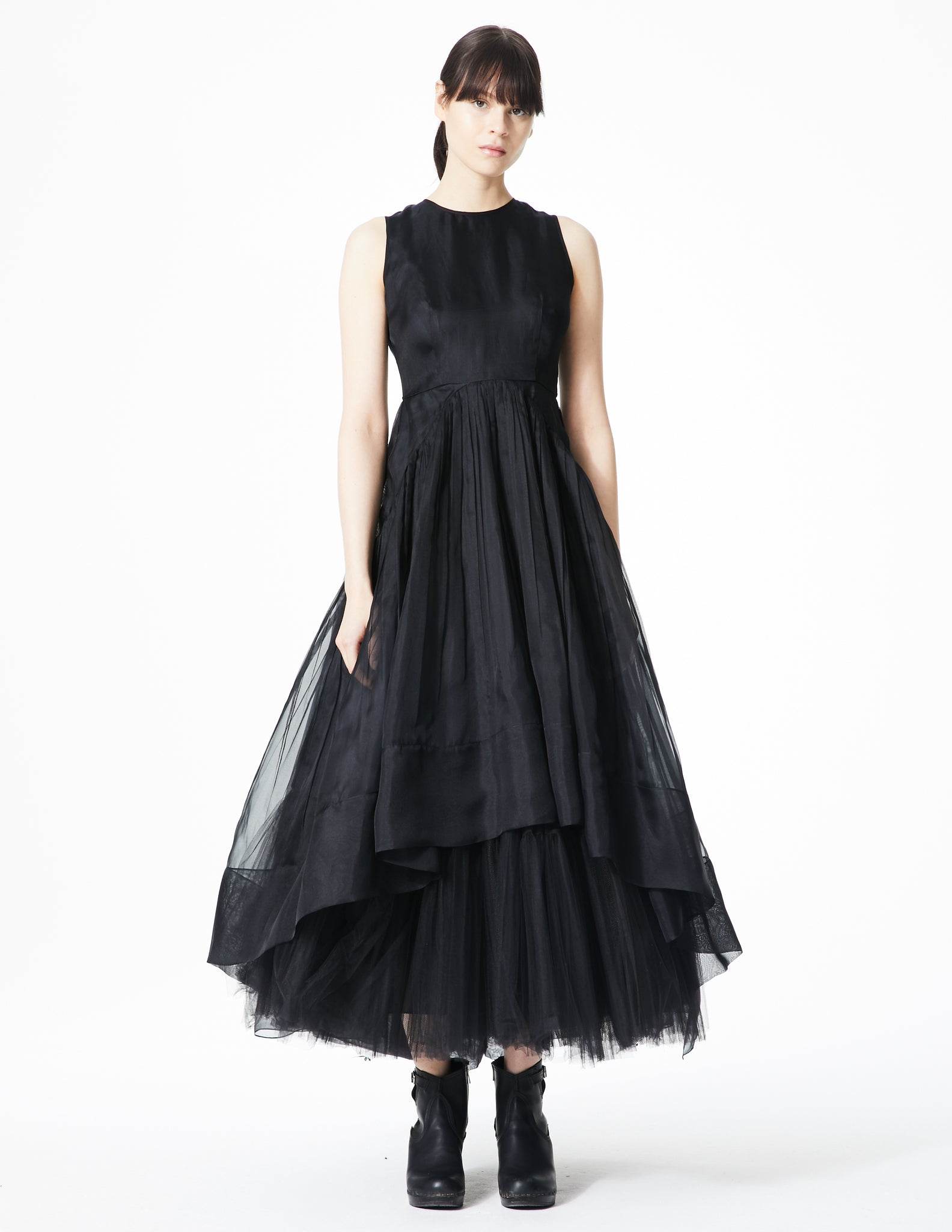 morgane le fay long gown