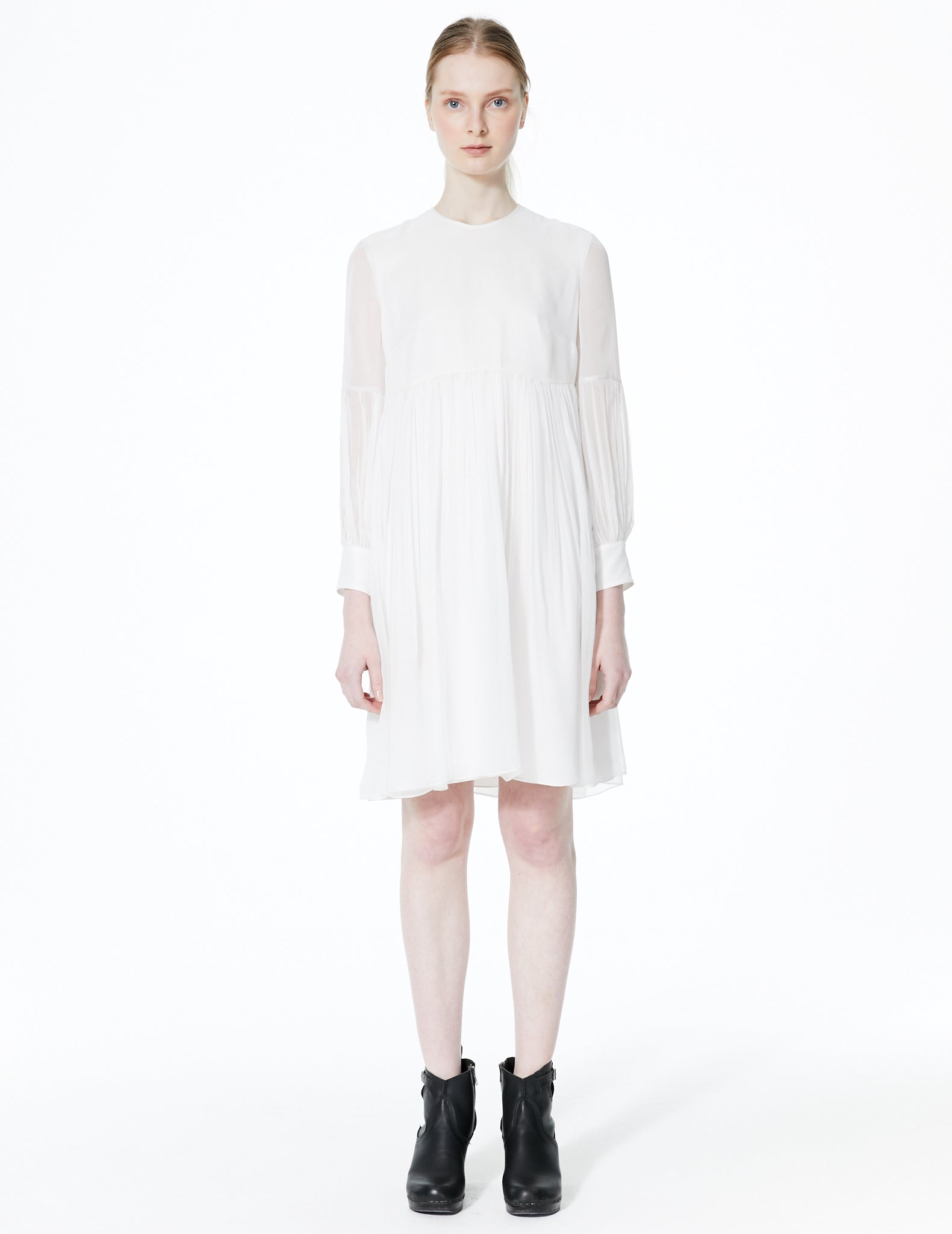 short chiffon dress with gathered waist and sleeves