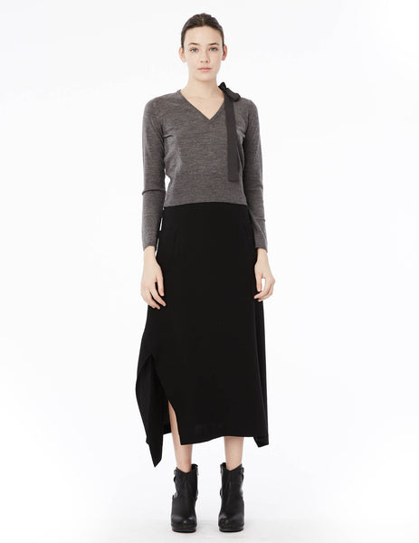 fitted and cropped v-neck cashmere sweater with long sleeves and removable silk double georgette bow