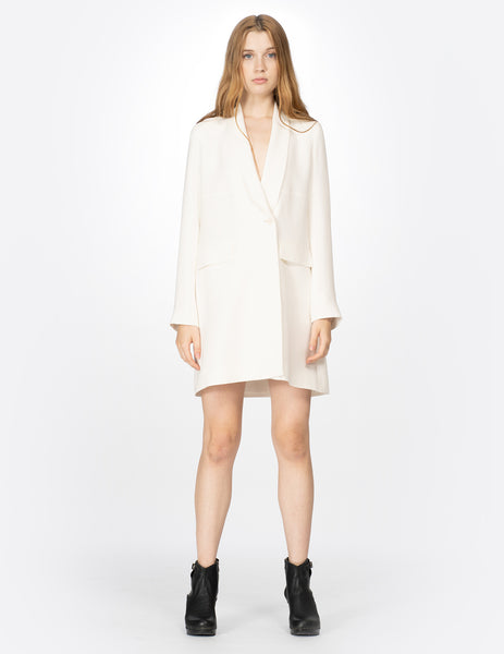 morgane le fay long sleeve, four-ply silk structured tuxedo jacket with thin lapels and waist closure.