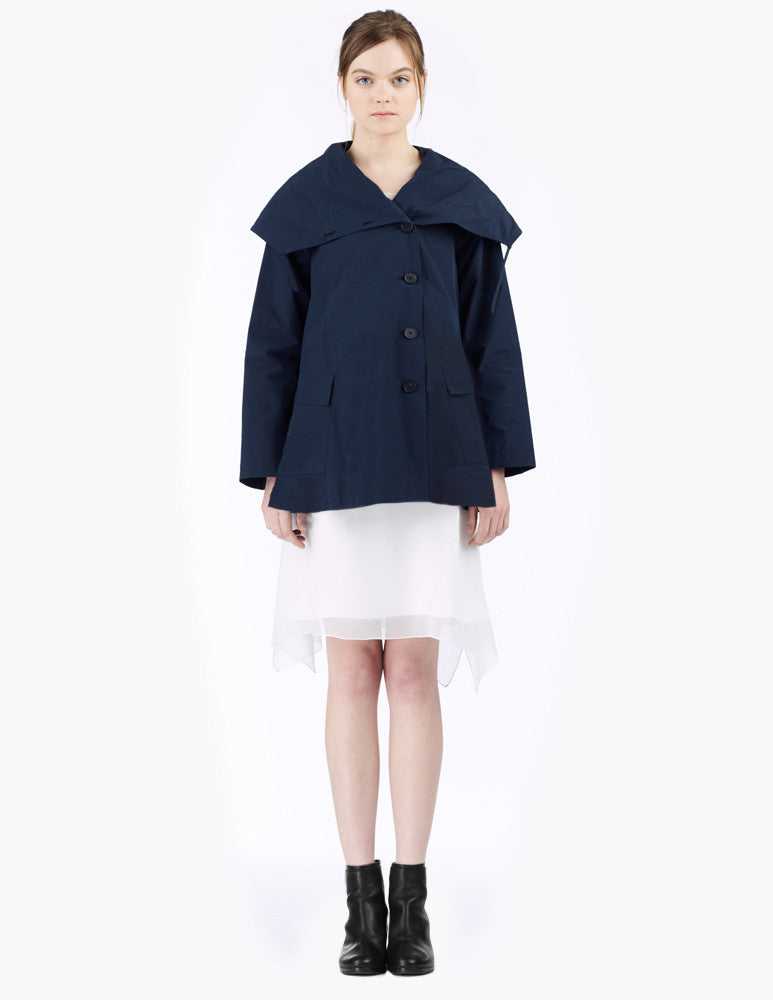 raincoat with oversized collar