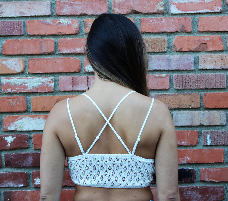 Scalloped Lace Double Strap Bralette In White