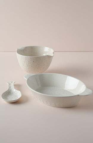 white ceramic bakeware
