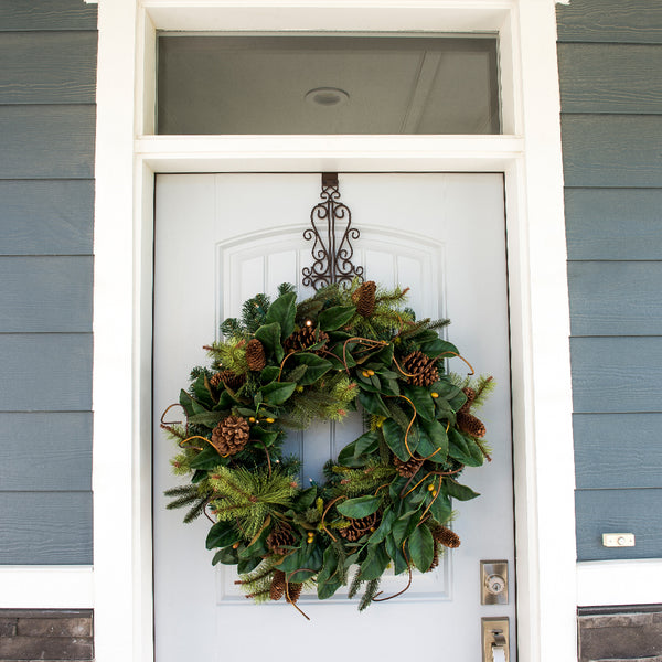 Decorated Greenery_Magnolia Leaf Decorated Wreath  |  Christmas World