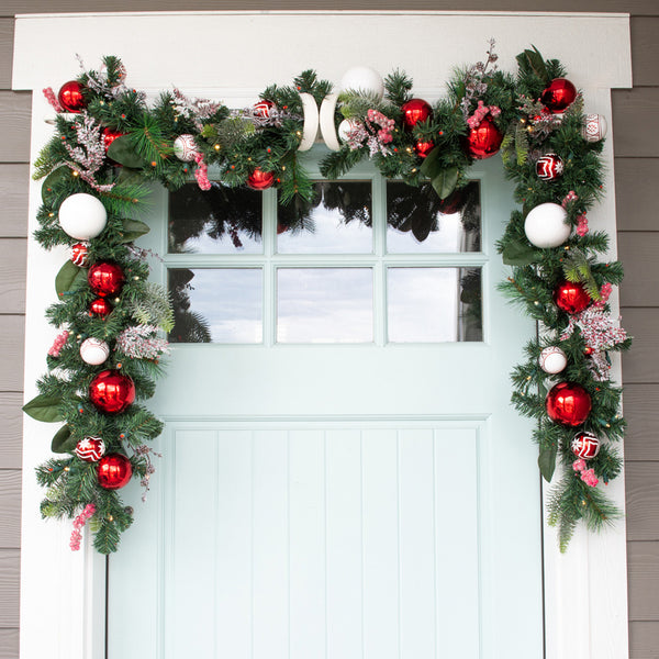 Nordic Red and White Garland (9-Foot)