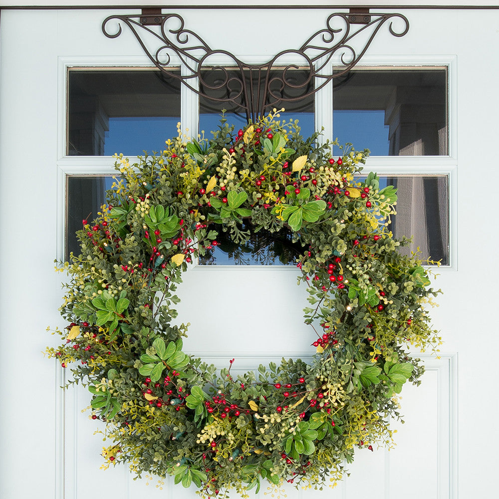 Boxwood Amp Berry 30 In Pre Lit Wreath Battery Operated