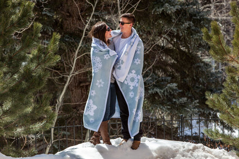 snowflake blanket - top 10 winter blankets designs by chappywrap