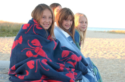 ChappyWrap - The Top 10 Best Blanket Blog - Bed Blankets and Couch Throws