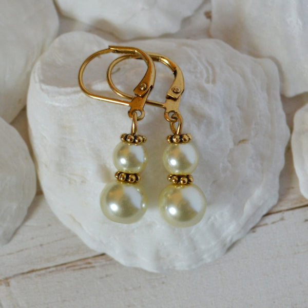 Women's Preppy Pearl Drop Earrings