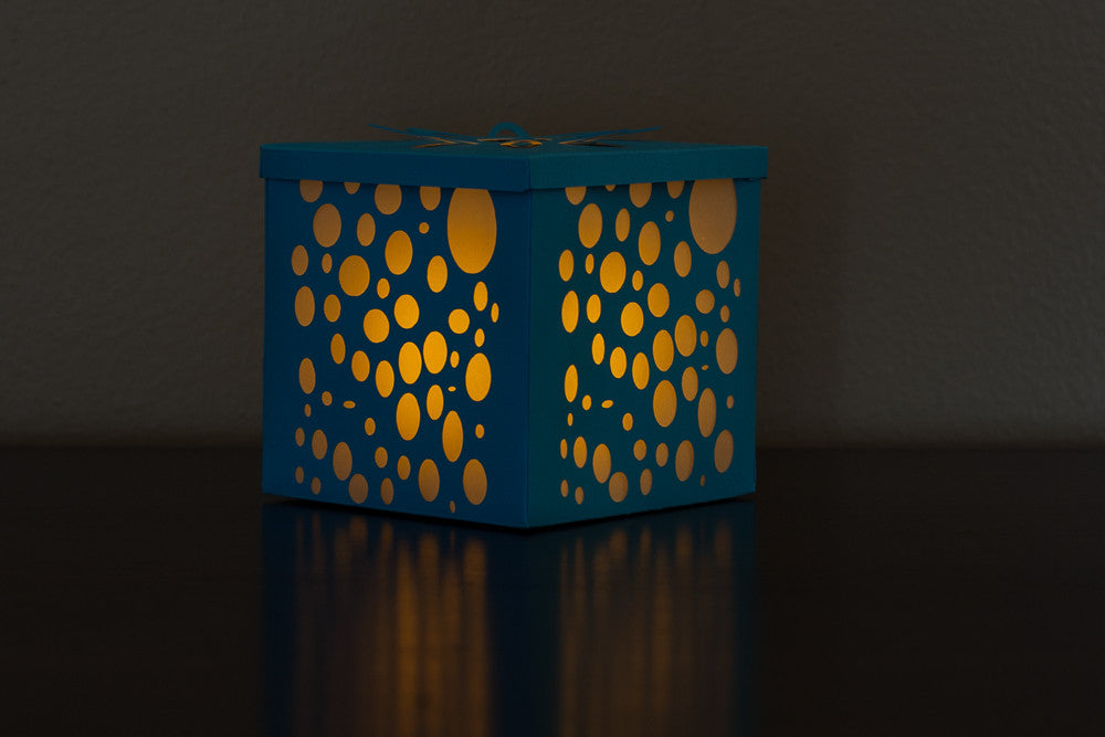 illuminated blue and white bubbles candle holder