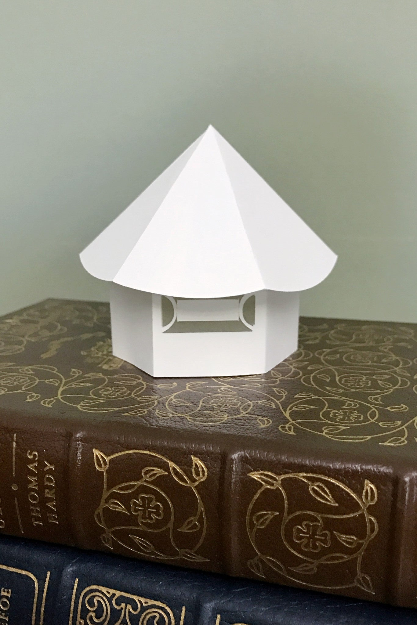 Tiny House Tealight cover White back