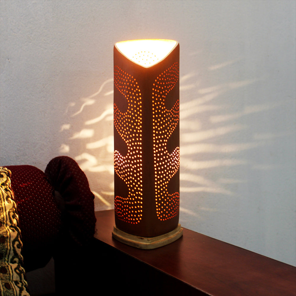 """TRIGO"" : Decorative Table Lamp with wooden base"