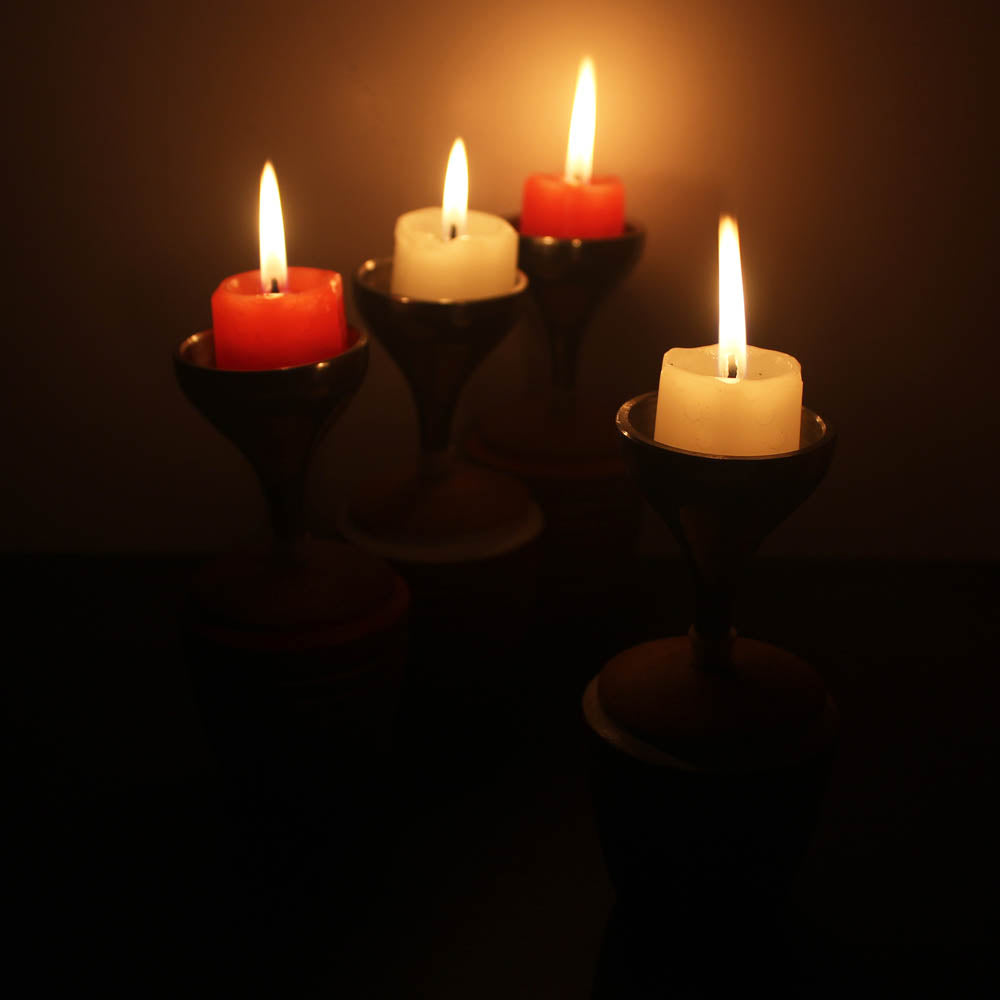 "BLISS series -""VORTEX"" : Candle/Tea light Holder with Metal Stand (Red & White)  : set of 4"