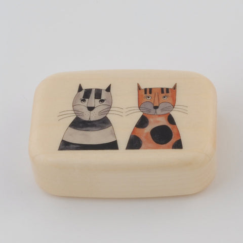 Wooden Box/Two Cats