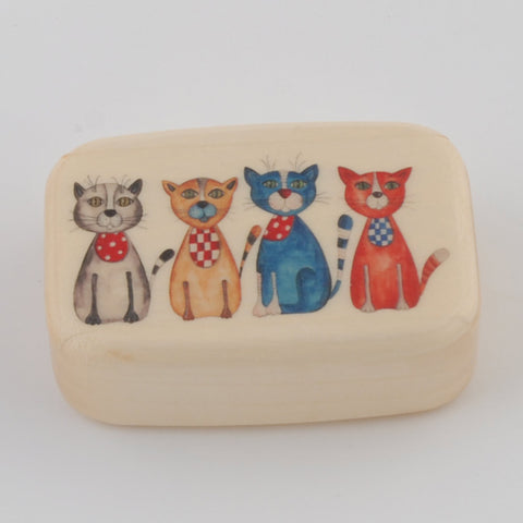 Wooden Box/Four Cats