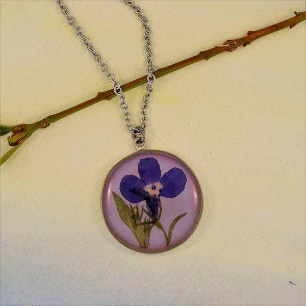 Round Pendant Necklace with Lobelia