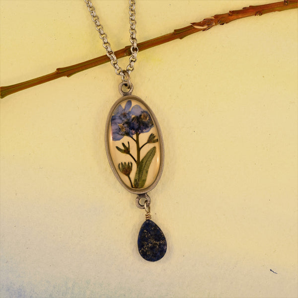 Oval Pendant Necklace with Forget-Me-Not