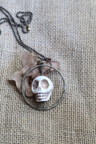 81952 Bone Skull Necklace
