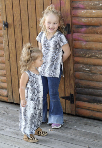 11382 Toddler  Python V Neck Oversized Tee -(6@$14.75)