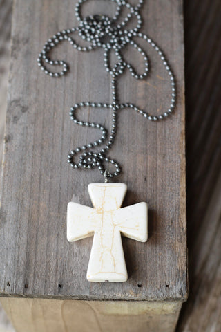 601 CHUNKY CROSS NECKLACE