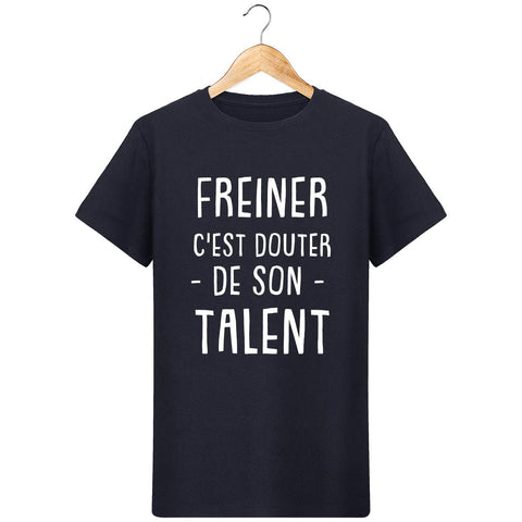 products/3224435-t-shirt-col-rond-stanley-leads-t-shirt-freiner-c-est-douter-de-son-talent-pour-homme-face.jpg