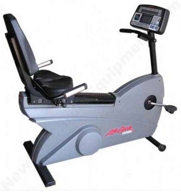 Life Fitness 9100 Recumbent Bike
