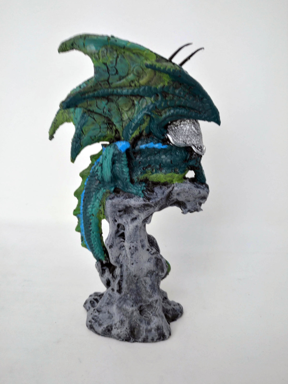 Green Dragon Protecting Jewel On Perch Statue