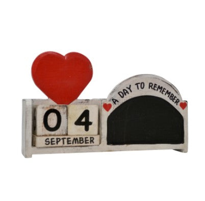 'A Day to Remember' Wooden Heart Chalk Calendar Pot Block