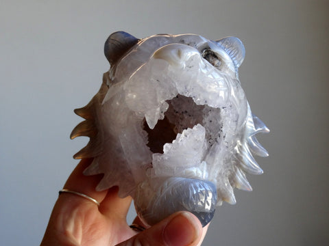 Agate Geode Tiger Carving