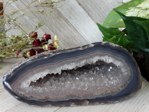 "7.6"" / 4.25 lb Polished Agate Geode"