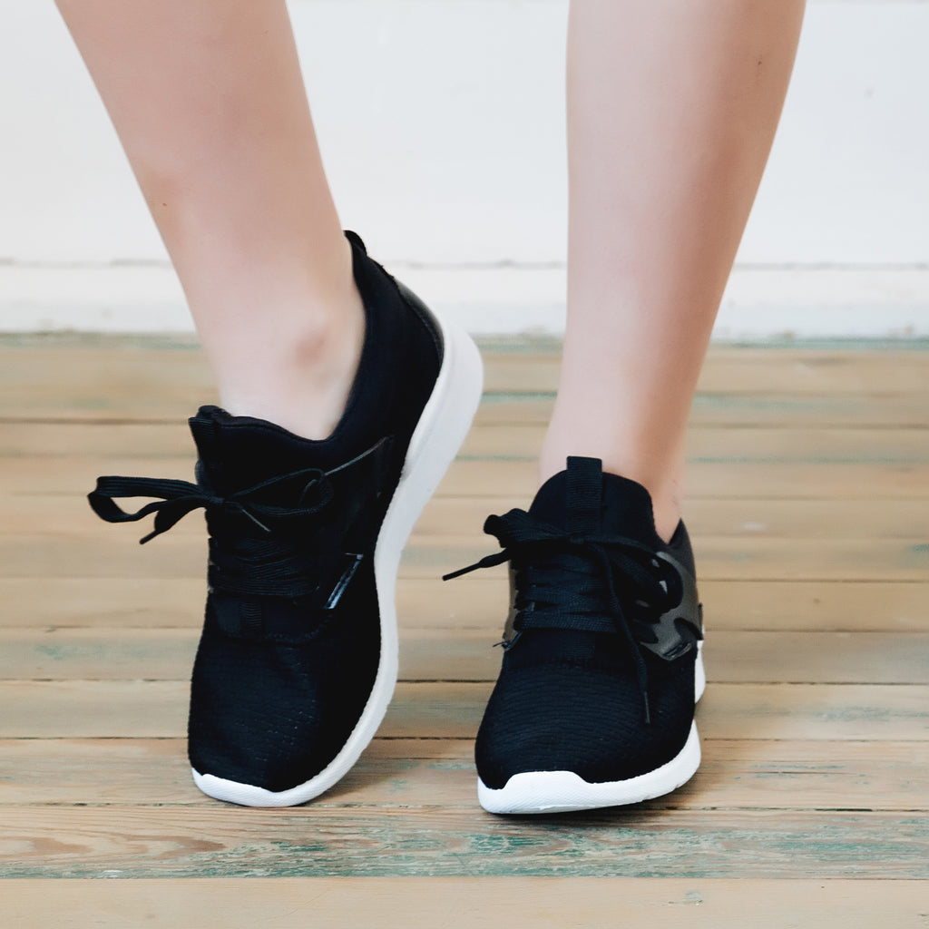 Run For It Sneaker (black) - Marcella