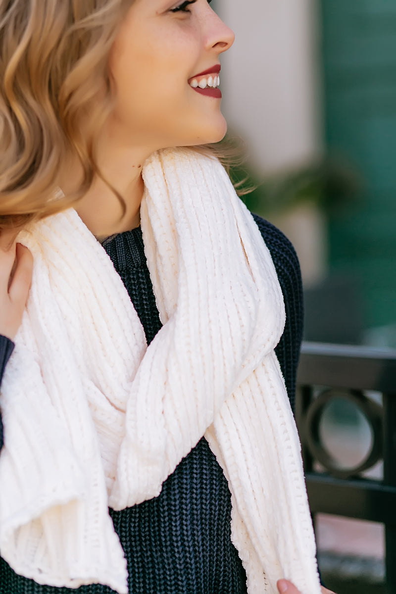Chenille scarf (ivory) - Marcella