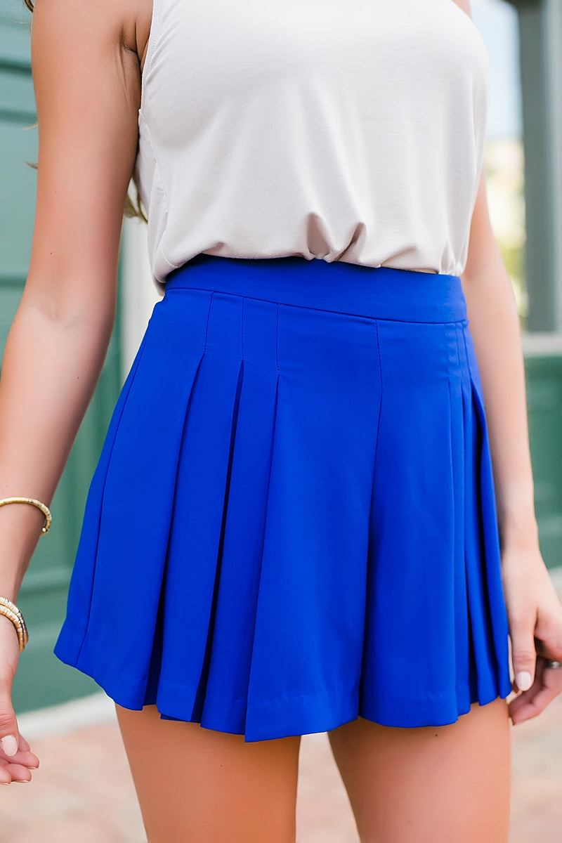 Pleated front shorts (royal)