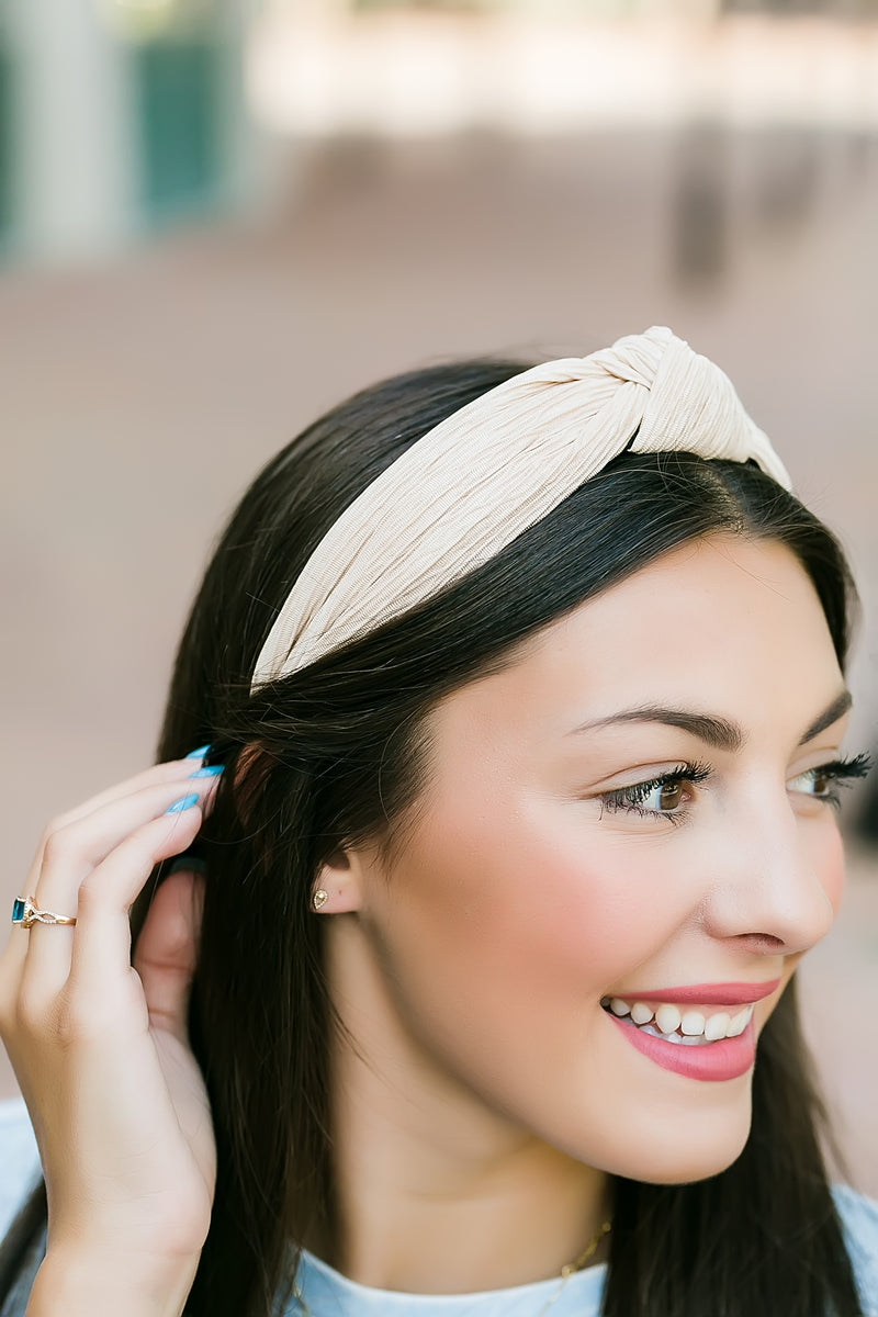 Knotted headband (beige)
