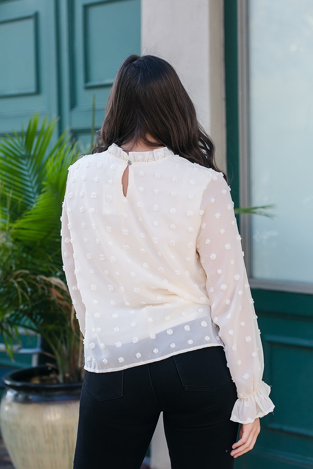 Connecting the dots cream top