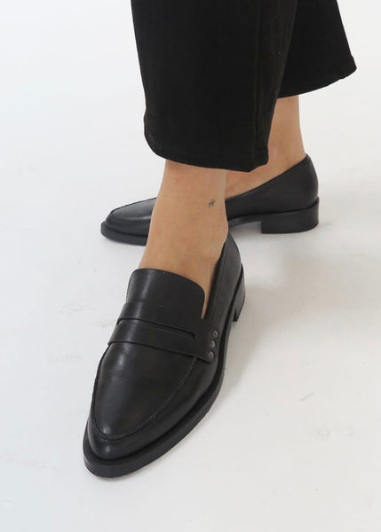 Shoes | River Loafer (Black)
