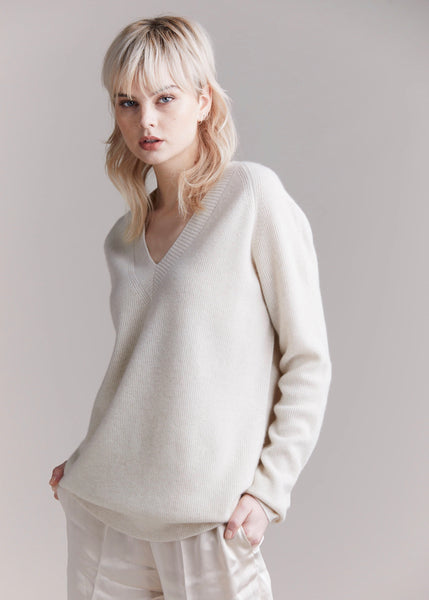 Knitwear | Grayson Ribbed V-Neck (Cream Marle)