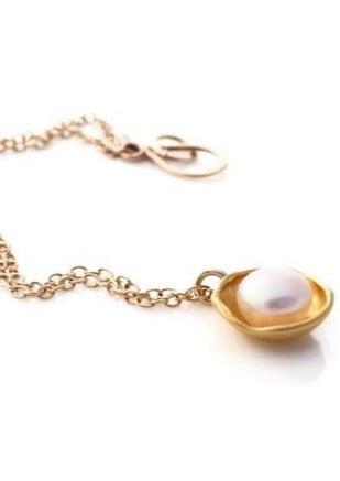 Necklace | Pearl Cap (Gold)