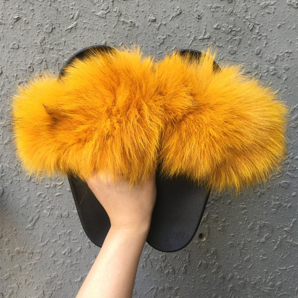 META Fur Slides, yellow gold