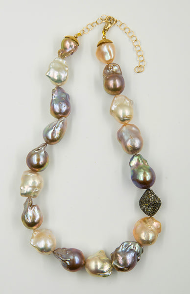 Jennifer-Kalled-baroque-pearl-necklace-kalled-gallery