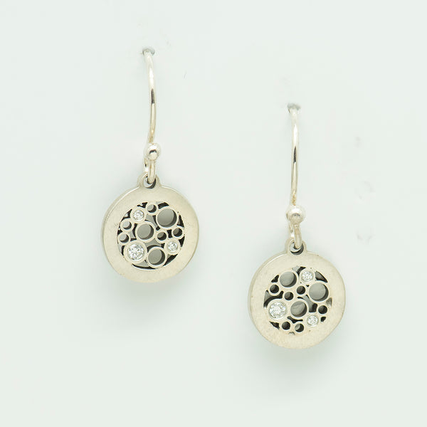 Belle-Brooke-Designs-petite-circles-sterling-silver-diamond-earrings-kalled-gallery