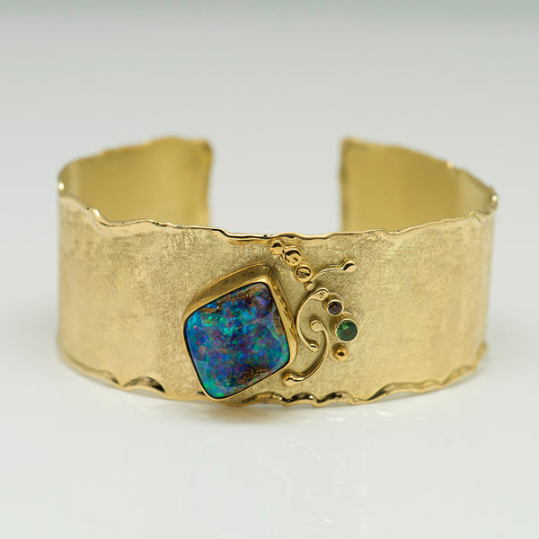 Jennifer-Kalled-gold-cuff-bracelet-boulder-opal-petrified-wood-kalled-gallery