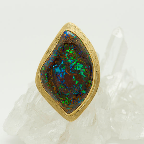 Jennifer-Kalled-Koroit-opal-22k-18k-gold-ring
