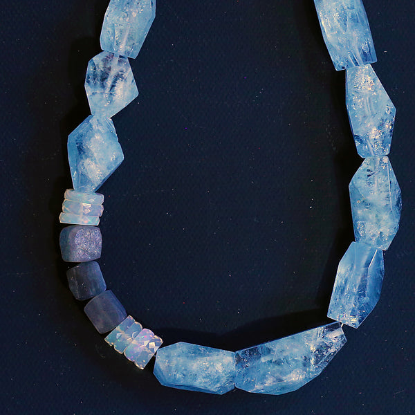 aquamarine-necklace-ethiopian-opal-labradorite-kalled