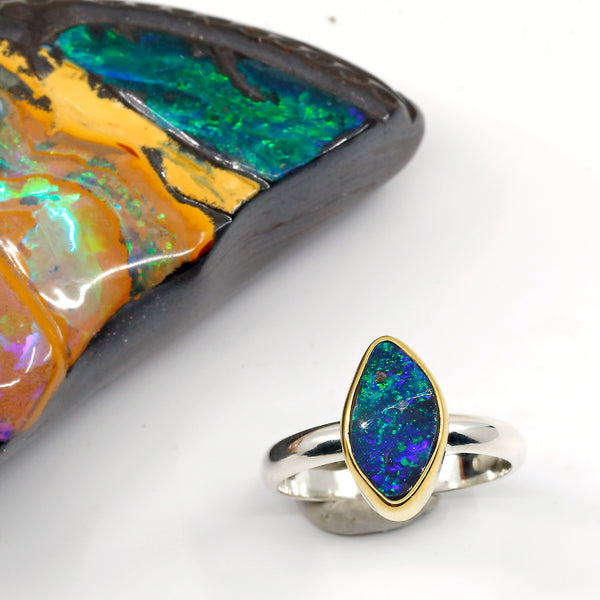 boulder-opal-blue-green-ring-gold-silver-kalled-kasso