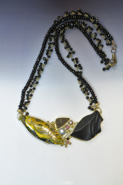 carved black jade orpiment necklace